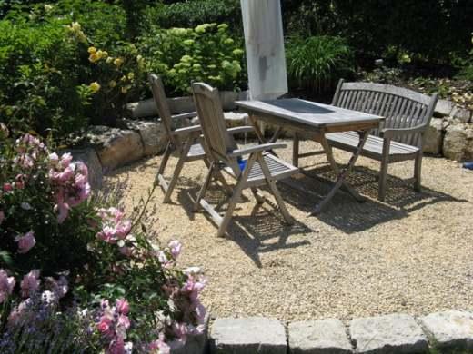 Bild gartenplatz mit jurasplitt aus der kategorie for Gartenplatz gestalten